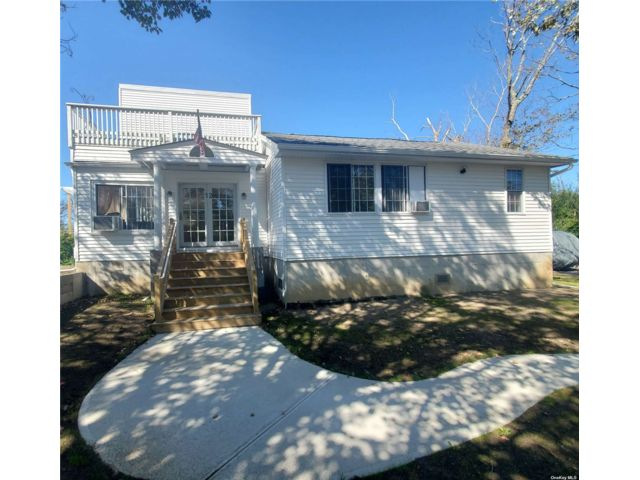 3 BR,  2.00 BTH Exp ranch style home in Brookhaven