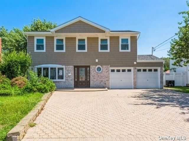 [Wantagh Real Estate, listing number 3198869]
