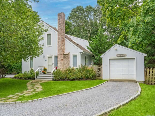 4 BR,  2.00 BTH Saltbox style home in Sag Harbor