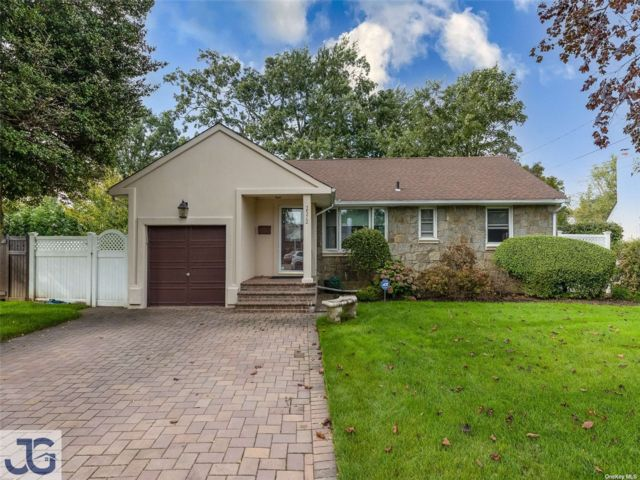3 BR,  1.00 BTH Ranch style home in Oceanside
