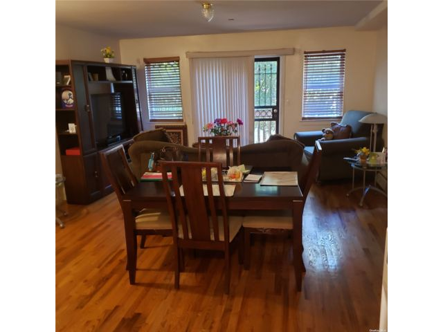 3 BR,  3.00 BTH 2 story style home in East New York