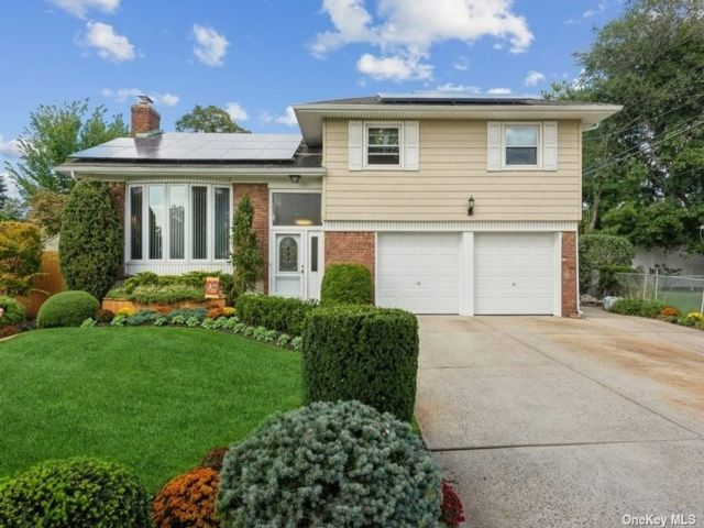 [East Meadow Real Estate, listing number 3198946]