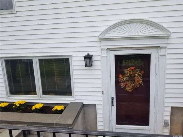 1 BR,  1.00 BTH Apt in house style home in Port Jefferson Station