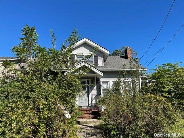 [East Meadow Real Estate, listing number 3199005]