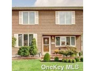 [Merrick Real Estate, listing number 3199028]