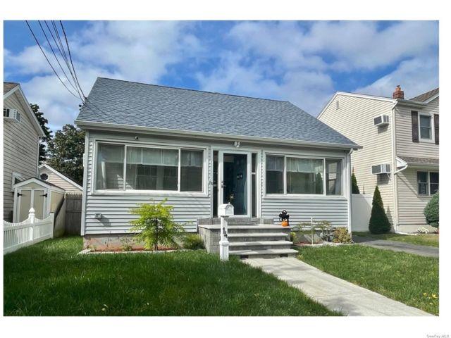 [Bellmore Real Estate, listing number 3199102]