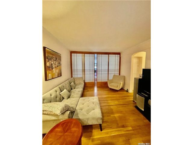 1 BR,  1.00 BTH Townhouse style home in Great Neck