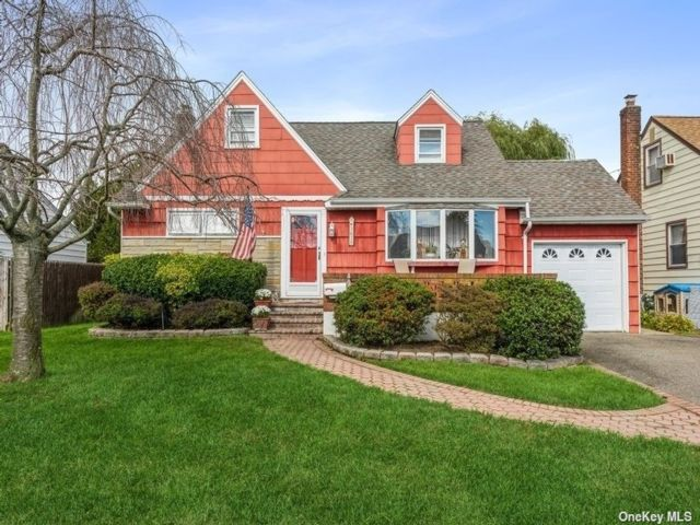 [Wantagh Real Estate, listing number 3199215]
