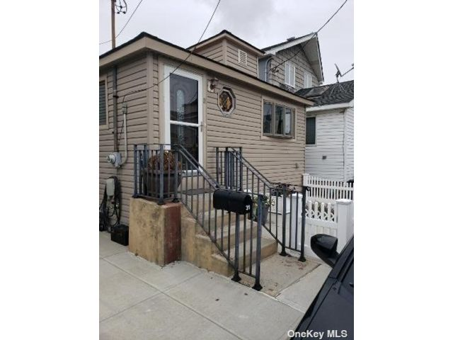 2 BR,  1.00 BTH Ranch style home in Broad Channel