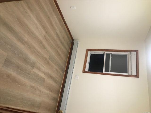 [Whitestone Real Estate, listing number 3199233]