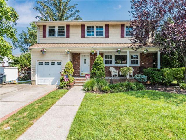 [Merrick Real Estate, listing number 3199287]