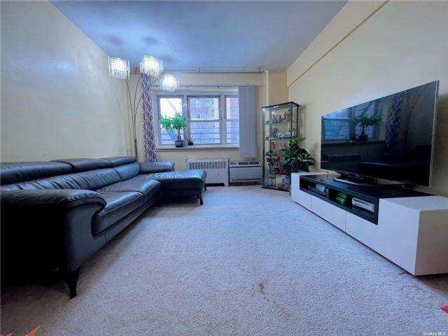 [Flushing Real Estate, listing number 3199300]