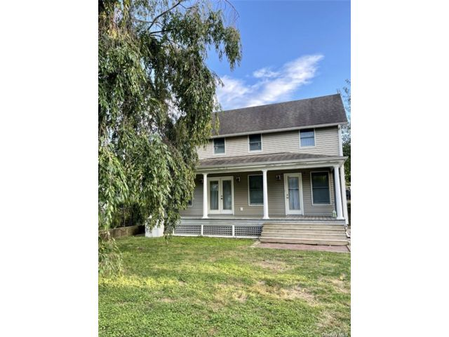 1 BR,  1.00 BTH Cottage style home in Glen Cove