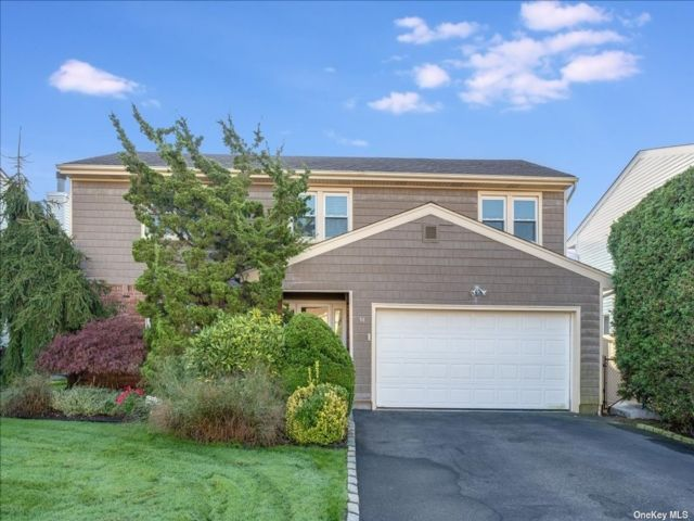 [East Meadow Real Estate, listing number 3199404]