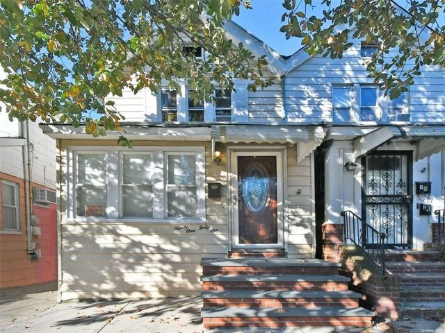 3 BR,  2.00 BTH Contemporary style home in Woodhaven