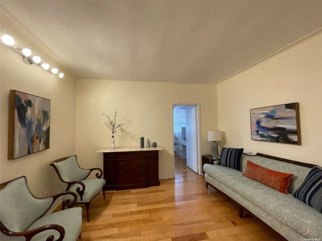 [Jackson Heights Real Estate, listing number 3199597]