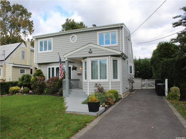[Wantagh Real Estate, listing number 3199687]