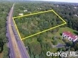 Lot <b>Size:</b> 204X603 Land style home in Muttontown