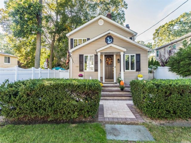 [Merrick Real Estate, listing number 3199865]