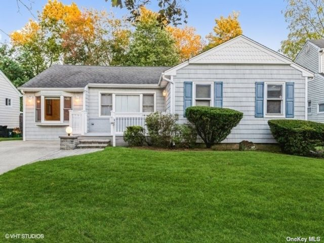 [Wantagh Real Estate, listing number 3199867]