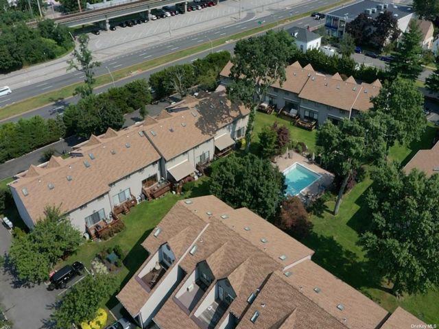 [Merrick Real Estate, listing number 3199975]