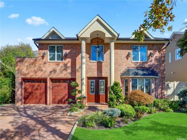 [Merrick Real Estate, listing number 3199979]