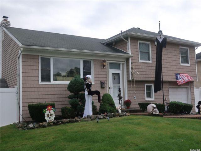 [Farmingdale Real Estate, listing number 3200032]