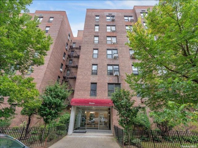 [Jackson Heights Real Estate, listing number 3200067]