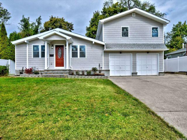 [Commack Real Estate, listing number 3200117]