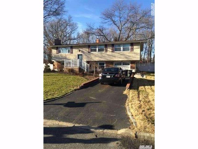 3 BR,  2.50 BTH  Hi ranch style home in Port Jefferson Station