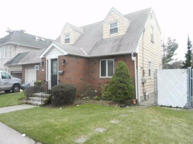 [Howard Beach Real Estate, listing number 4940081]