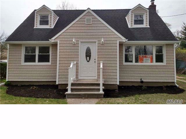 4 BR,  2.00 BTH Exp cape style home in Rockville Centre