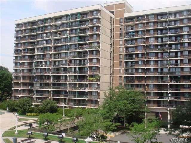 [Flushing Real Estate, listing number 4947709]