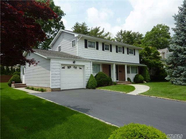4 BR,  1.55 BTH  Colonial style home in Jericho