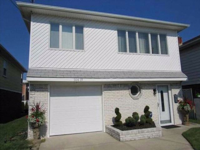 [Howard Beach Real Estate, listing number 4953444]