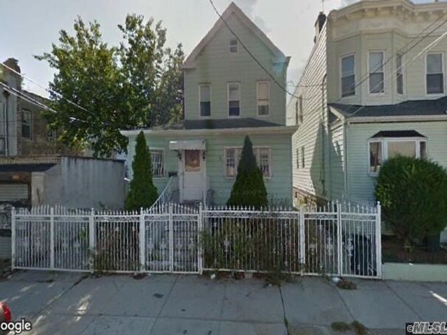 5 BR,  2.00 BTH Victorian style home in Woodhaven