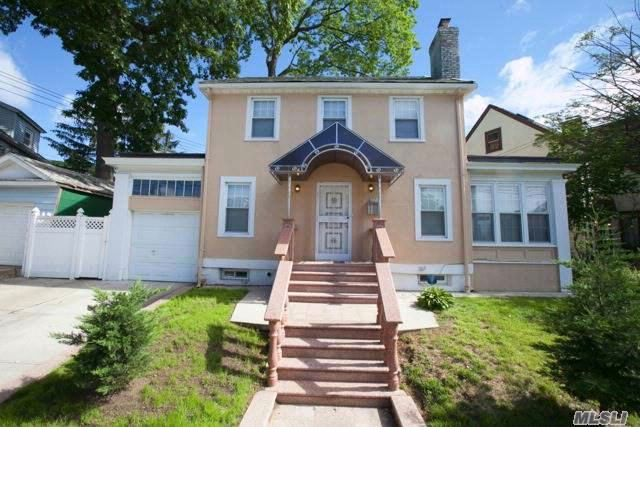 3 BR,  1.55 BTH  Colonial style home in Richmond Hill
