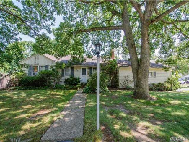 [Bay Shore Real Estate, listing number 4985010]