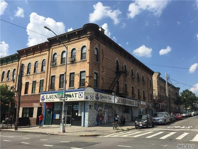 12 BR,  6.50 BTH Store+dwell style home in Bushwick