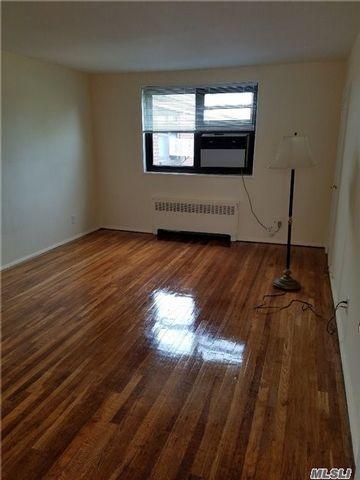 [Whitestone Real Estate, listing number 4992577]