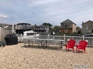 Lot <b>Size:</b> 30X80  Land style home in Oceanside
