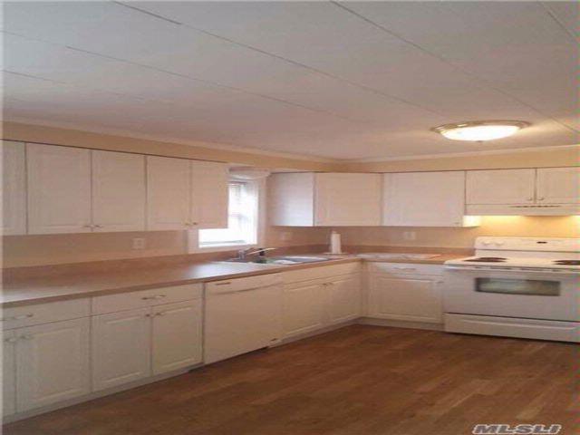 3 BR,  2.00 BTH Cape style home in Medford