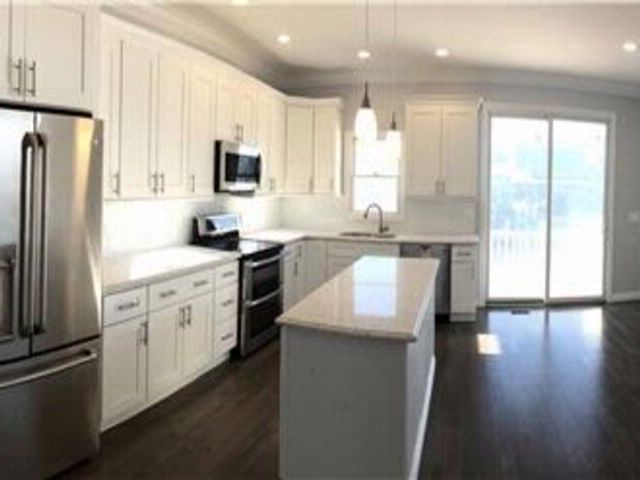 3 BR,  2.50 BTH Colonial style home in Lindenhurst