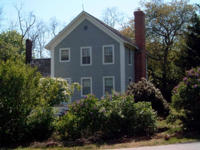 4 BR,  2.00 BTH  Farm house style home in SHELTER ISLAND