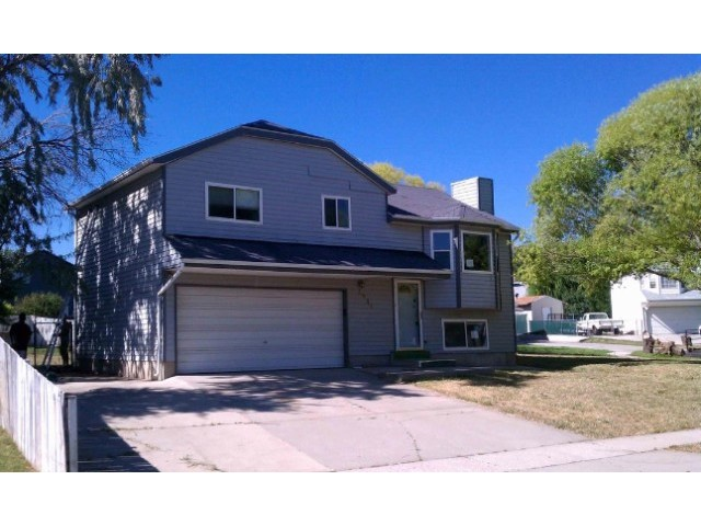 3 BR,  2.00 BTH 2 story style home in Magna