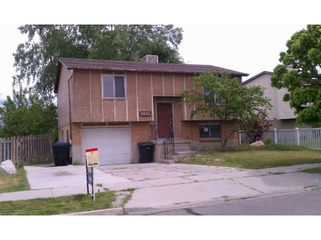 3 BR,  1.50 BTH Bi-level style home in Taylorsville
