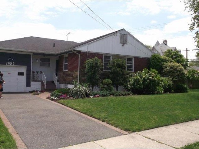 3 BR, 20.00 BTH Ranch style home in BAYSWATER