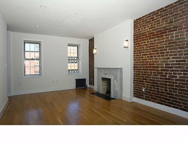 1 BR,  1.00 BTH  Co-op style home in New York