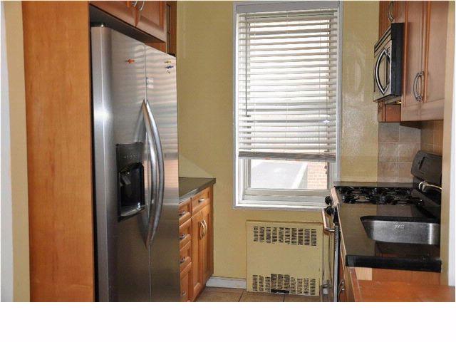 1 BR,  1.00 BTH  style home in BROOKLYN