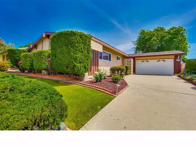 4 BR,  2.00 BTH   style home in San Diego